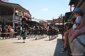 Auftritt in der Main Street bei den Highland Games 2017 in Pullman City